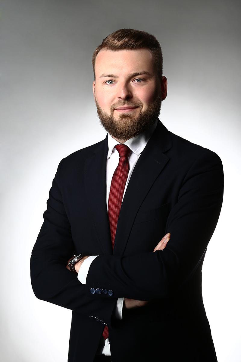 https://lewandowskikancelaria.pl/wp-content/uploads/2021/06/2021_05_27_MLd_8235_p_2x3_s-1.jpg