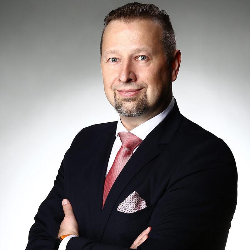 https://lewandowskikancelaria.pl/wp-content/uploads/2021/06/Piotr-Dubrawski-e1623881348322.jpg